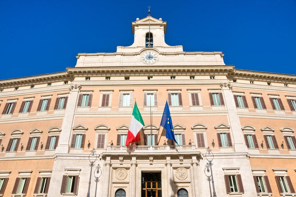 Costituzione repubblica italiana cos 39 e come studiarla for Parlamento italiano storia
